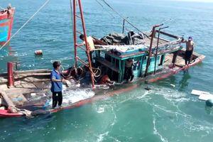 Huế: Nỗ lực tìm kiếm nhiều ngư dân mất tích khi đánh cá trên biển
