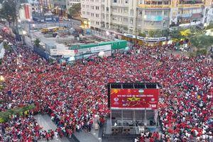 TP.HCM lắp 8 màn hình led 'khủng' chiếu miễn phí U23 Việt Nam - U23 Bahrain