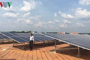 Doanh nghiệp than làm dự án điện mặt trời bị điện lực thu phí tùy tiện