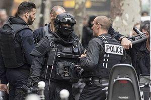 Cảnh sát Pháp giải thoát thành công các con tin bị bắt cóc tại Paris