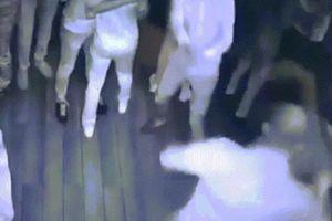 Một mình đấm gục 7 người trong hộp đêm ở Nga gây phẫn nộ