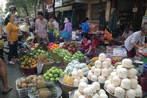 Thị trường rằm tháng 7: Đắt đồ chay, đìu hiu đồ mã ở TPHCM