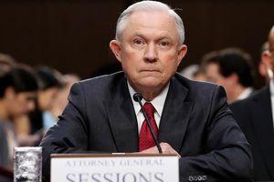 Bộ trưởng Tư pháp Mỹ 'phản pháo' TT Trump, quyết không để bị điều khiển