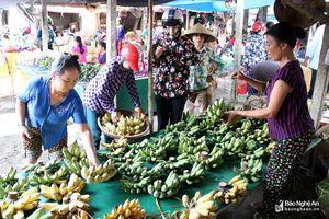 Náo nức chợ quê đón Rằm tháng Bảy