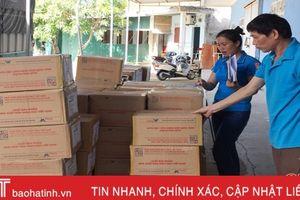 Nhập 60 ngàn bản sách/ngày, học sinh Hà Tĩnh bớt nỗi lo thiếu sách