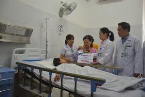 TNGT thảm khốc: Trao thêm 2,5 tỷ đồng cho 4 nạn nhân sống sót