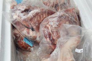TP.HCM: Phát hiện hơn trăm ký thịt heo hết đát trong siêu thị
