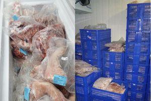 TP.HCM: Phát hiện thịt heo hết hạn sử dụng bày bán trong siêu thị