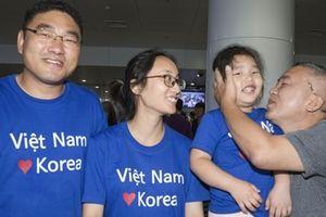 Niềm vui ngày về quê ngoại của các cô dâu Việt tại Hàn Quốc