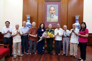 Phó Bí thư Thường trực Thành ủy gặp mặt đại diện Ban Liên lạc các chiến sĩ Việt Minh thành Hoàng Diệu
