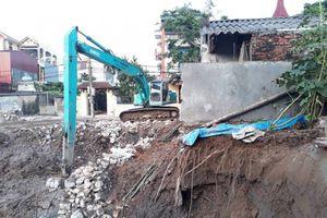 Tạm dừng thi công dự án làm lún, nứt nhà dân tại Gia Lâm
