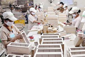 Ngành gỗ thành mũi nhọn xuất khẩu: Cơ hội - Thách thức - Giải pháp