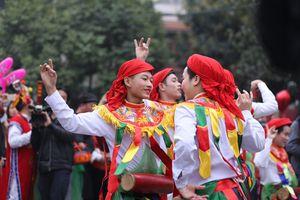 Trải nghiệm cùng di sản văn hóa phi vật thể múa Trống Bồng