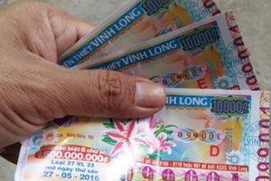 Bắt thanh niên giở trò 'ảo thuật' sửa vé số từ trượt thành trúng 50 triệu đồng