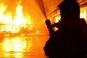 Khung cảnh tan hoang sau vụ cháy khách sạn tại khiến 18 người thiệt mạng
