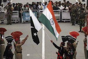 Gạt mâu thuẫn, binh lính Ấn Độ-Pakistan lần đầu tập trận chung