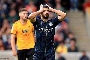 Man City mất điểm trước tân binh, Arsenal thắng trận đầu