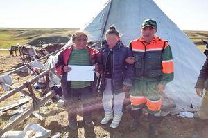 Cô bé 15 tuổi 'trở về từ cõi chết' sau hai tuần lạc ở Bắc Cực