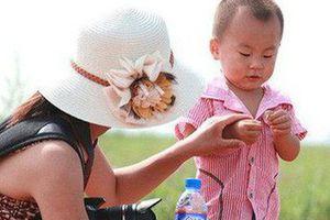 Nghệ thuật phạt con nơi công cộng của người Nhật