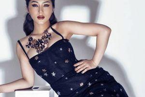 Stylist giúp Hương Tràm nói không với trang phục hở hang