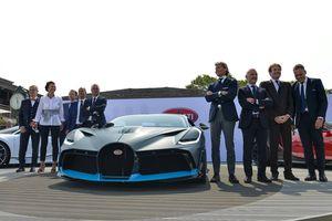 Quắc mắt với 'quái vật' Bugatti Divo hơn 135 tỷ mới ra mắt