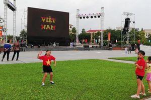 Nghệ An lắp màn hình 70 m2 xem trận Việt Nam-Syria