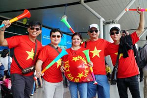Người hâm mộ lên đường 'tiếp lửa' tuyển Olympic Việt Nam