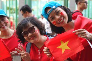 Bay hơn 6.000 km trong ngày cổ vũ Olympic Việt Nam