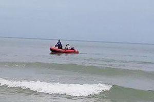 Đi dự sinh nhật thầy dạy võ, 5 học sinh bị sóng biển cuốn trôi