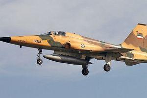 Máy bay chiến đấu Iran rơi trong khi hạ cánh