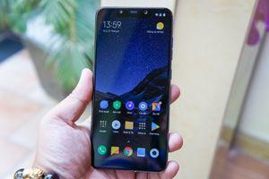Smartphone Pocophone F1 màn hình 'tai thỏ' giá rẻ ra mắt