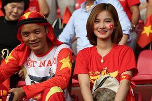 Fan Việt đổ bộ sân Patriot tiếp lửa U23 Việt Nam