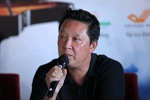 Nhạc trưởng Lê Phi Phi bật khóc nhớ về nhạc sĩ Hoàng Vân