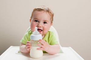 Bé chậm tăng cân nên uống sữa gì?