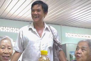 Người đàn ông dành cả cuộc đời nấu cơm miễn phí cho trẻ em mồ côi và người già