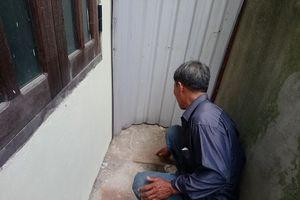 Bé gái sơ sinh còn nguyên dây rốn bị bỏ rơi trong chùa ở Huế