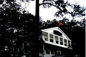 Tháng cô hồn: Một mình khám phá ngôi biệt thự ma Đà Lạt