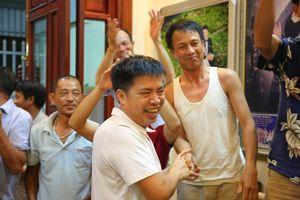 Bố mẹ Văn Toàn: 'Dự bị cũng không sao, con cứ tin tưởng thầy Park'