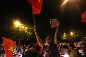 Người dân Sài Gòn… 'bán nhà', dẫn khỉ xuống đường ăn mừng chiến thắng của U23 Việt Nam