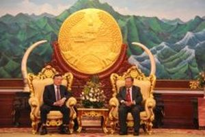 Lãnh đạo Lào tiếp Bí thư T.Ư Đảng Nguyễn Hòa Bình