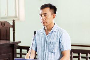 Vụ chủ xe ben cầm dao dọa giết phóng viên: Thành khẩn nhận lỗi, bị cáo được hưởng 6 tháng tù treo