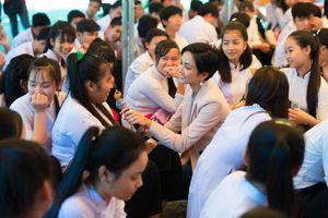 Hành trình mang ánh sáng giáo dục tới trẻ em gái