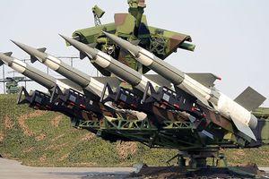 Dàn vũ khí Syria giương nòng, sẵn sàng nghênh chiến với Mỹ