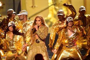 Jennifer Lopez 'nóng bỏng' tại lễ trao giải MTV Awards 2018