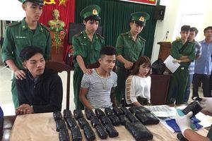 Bắt thanh niên người Lào vận chuyển hơn 65.000 viên ma túy tổng hợp