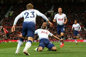 Clip: Moura lập cú đúp, Tottenham 'chôn vùi' M.U ngay tại Old Trafford