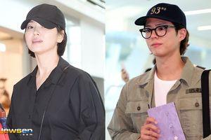 Song Hye Kyo xuống tóc, gây 'sốt' tại sân bay - Nhưng sao giống Park Bo Gum thế này?