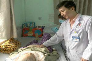 Sau khi té ngã, cụ bà 72 tuổi bị 2 khối áp xe do vi khuẩn kháng kháng sinh