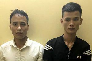 Hà Nội: Bắt hai đối tượng cướp giật điện thoại của phụ nữ trong đêm