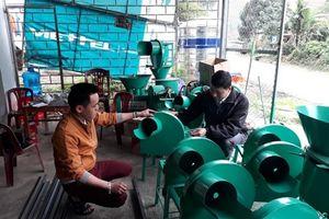 Anh nông dân vùng cao sáng chế một loạt máy nông nghiệp thu lãi cả trăm triệu đồng